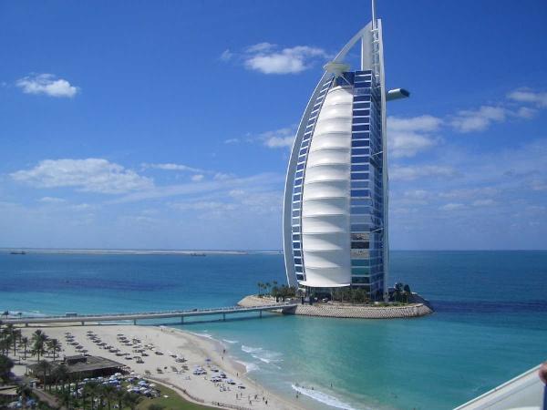 L'albergo piu'costoso e lussuoso al mondo : Burj El Arab