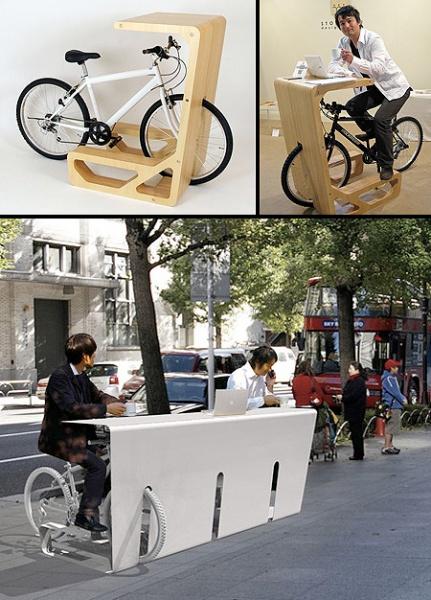 La bicicletta nella scrivania !!