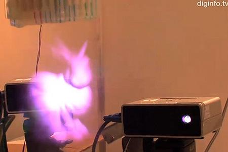 Il primo proiettore di immagini 3D !!