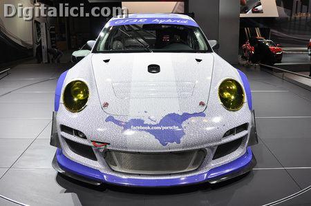 Facebook Tagga la sua Porsche 911 GT3 R Hybrid