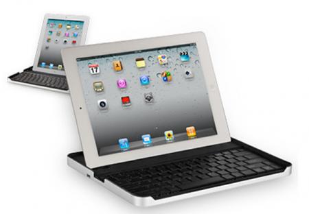 Una custodia per iPad2 con tastiera incorporata