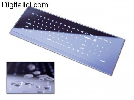 Le tastiere piu' particolari mai viste : in legno ed in vetro !!