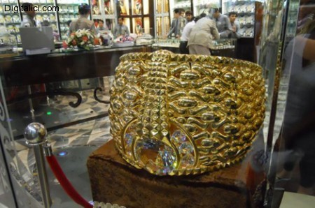 L'anello in oro più grande del mondo !!!