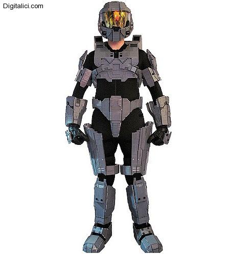 Un costume costruito in LEGO a grandezza umana !!!