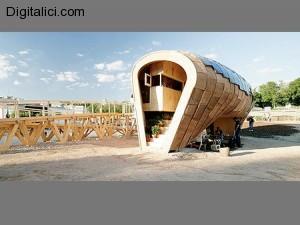 <!--:de--></noscript>Ein Holzhaus, dass mit Strom versorgt und ist Solarstrom produziert!A wooden house that is powered and produces solar power!木房子,是生产太阳能供电和力量!Una casa in legno che si alimenta e produce energia solare !!Una casa de madera que se alimenta y produce la energía solar!