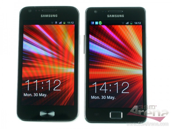 Confronto: Galaxy R vs Galaxy S2