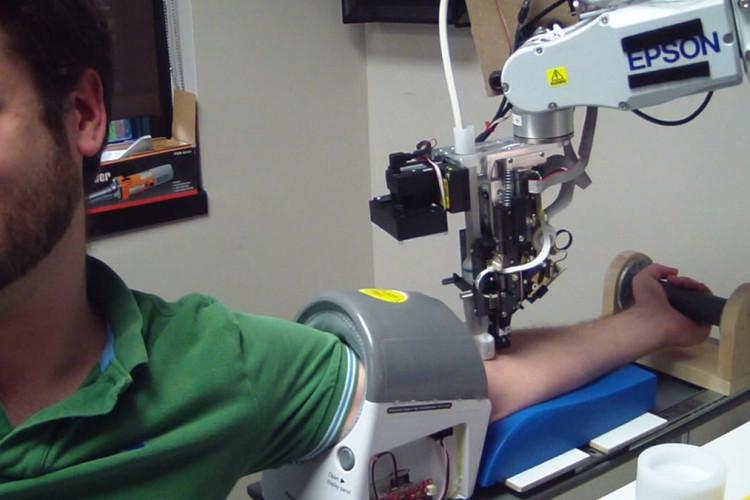 Chi ha paura di Veebot, il robot che fa i prelievi di sangue ?