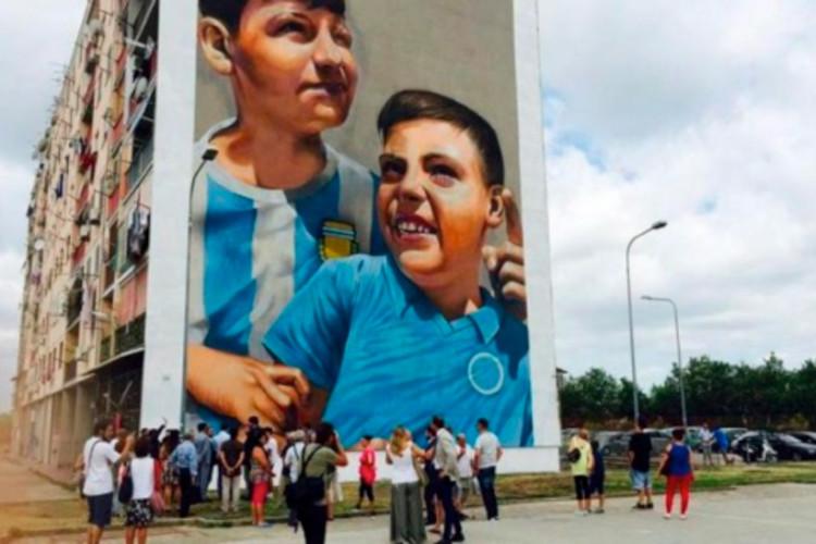 Ceres colora le strade di Napoli e Torino con la street art